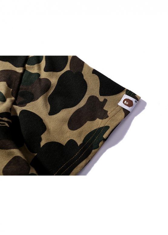 Зеленая футболка Bape Half Camo купить в Киеве с доставкой по Украине