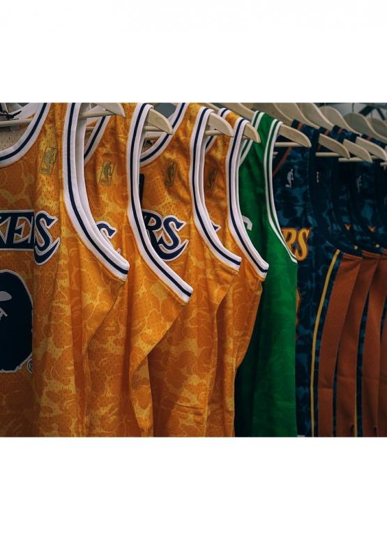 Купить жёлтую майку Bape x Lakers в Киеве с доставкой по Украине